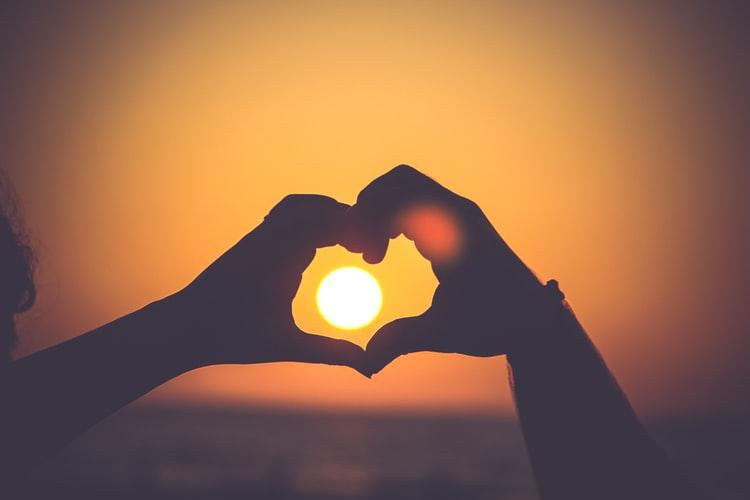 Любовь, меняющая мир